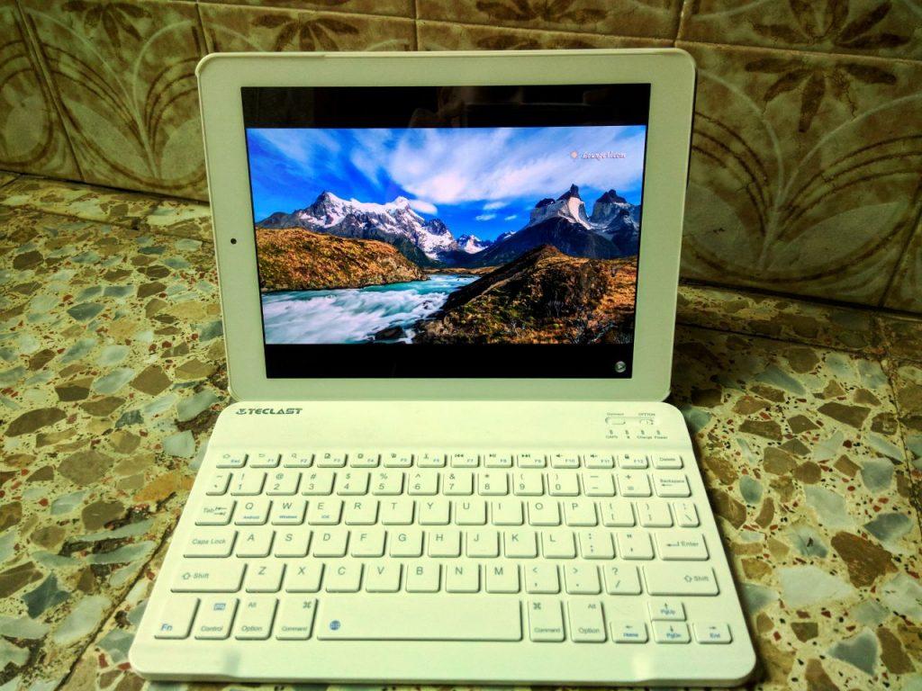 Teclas x98 Pus II con teclado y funda origina